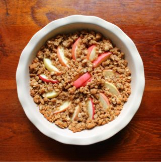 Easy Apple Crumble Recipe with Oats