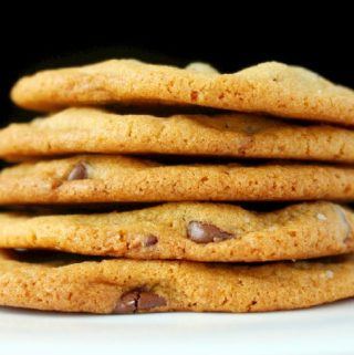 Best Chewy and Crispy Chocolate Chip Cookies