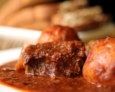 Beef Stifado with Potatoes