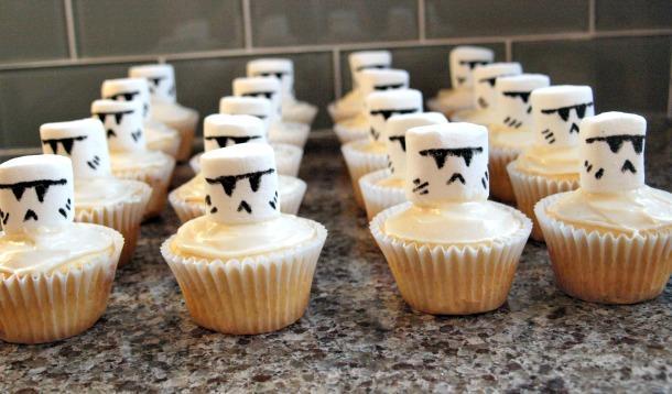 Stormtrooper cupcakes