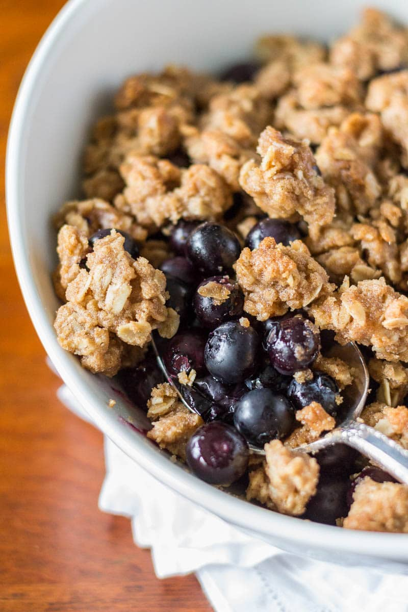 A very simple blueberry crumble that tops fresh, sweet blueberries with a crumbly, cookie-like topping.  The perfect combination.