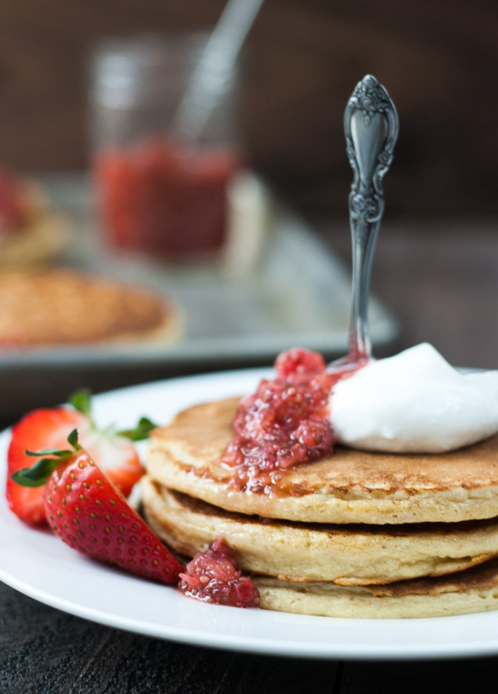 Looking for recipes with cottage cheese? These 34 cottage cheese recipes cover breakfast, smoothies, dips, breads, sides, dinner, and dessert, including these oatmeal pancakes.