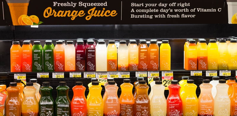 Did you know that Safeway has opened three new stores in Florida? I visited one in Altamonte Springs (near Orlando) to check out the offerings, like the freshly squeezed juice.