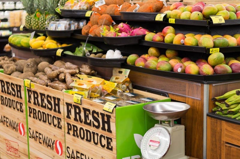 Did you know that Safeway has opened three new stores in Florida? I visited one in Altamonte Springs (near Orlando) to check out the offerings, like the produce department.