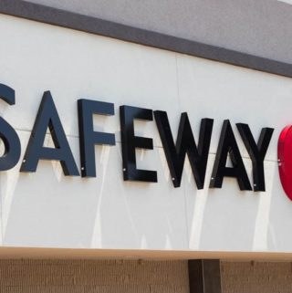 Did you know that Safeway has opened three new stores in Florida? I visited one in Altamonte Springs (near Orlando) to check out the offerings.