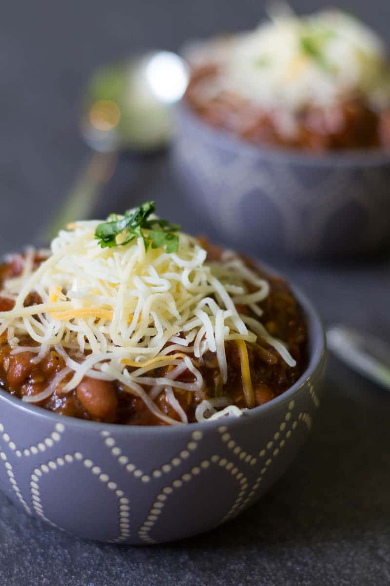 Meatless chili doesn't have to be boring chili! A mix of hearty vegetables gives this meatless chili a rich flavor that's totally satisfying and delicious.