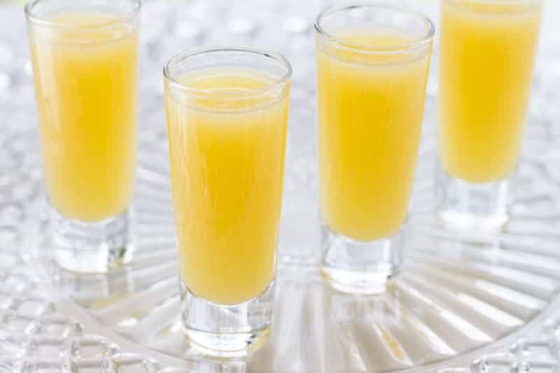 Love mimosas but prefer to skip the alcohol? Make this non alcoholic mimosa with just two ingredients! Fresh orange juice makes this recipe a winner.