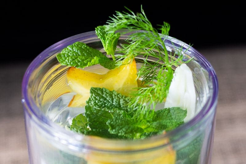Combine fresh star fruit (carambola), fresh fennel, and fresh mint for a refreshing infused water with a fruity and herbal flavor.