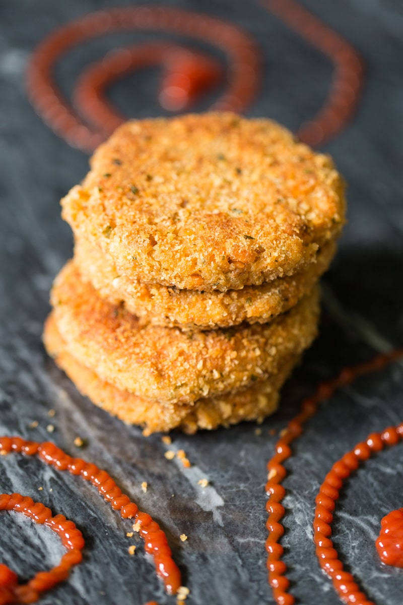 Crispy crunchy salmon patties, or salmon cakes, are made with just three ingredients plus a little oil for the pan.  Kids love them!