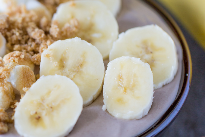 Sliced bananas in smoothie bowl